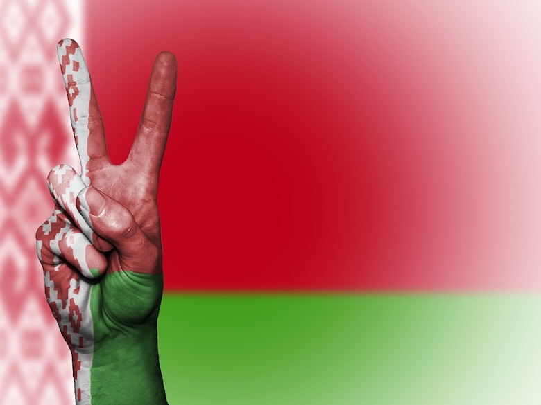 Rusi sa boja vývoja v Bielorusku: strašia tvrdou propagandou