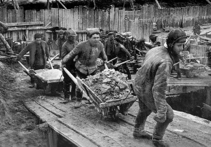 """SMERŠ – sovietske """"gestapo"""" na Slovensku (2. diel)"""