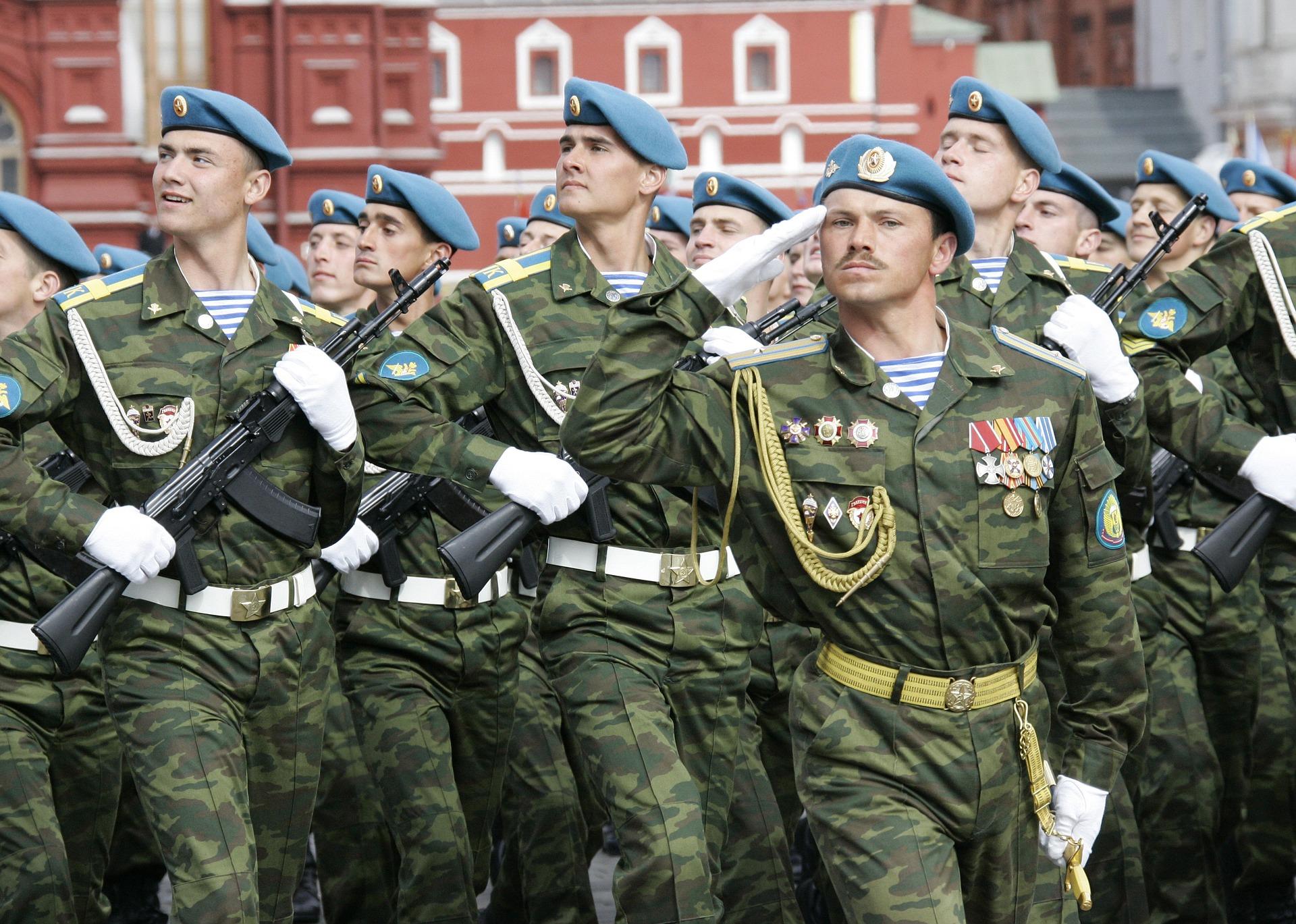 Rusko na Kryme obnovuje vojenské základne zo sovietskych čias